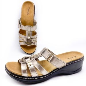 Clarks 8M Pewter Leather Lightweight Sandals